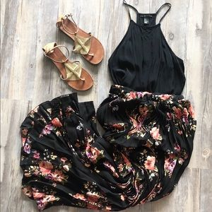 Dresses & Skirts - NWOT! Pleated Black & Floral Maxi Skirt